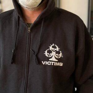 VICTIMS – mikina se zipem (vyšívané logo)